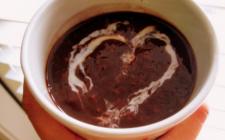 Porridge al cioccolato e fragole: la ricetta light e golosa
