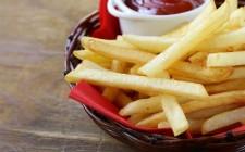 L'acrilammide nelle patatine aumenta il rischio di ammalarsi di cancro