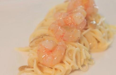 Spaghettini acqua di limone, gamberi e parmigiano