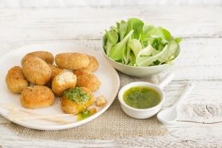 Mondeghili di branzino con salsa verde