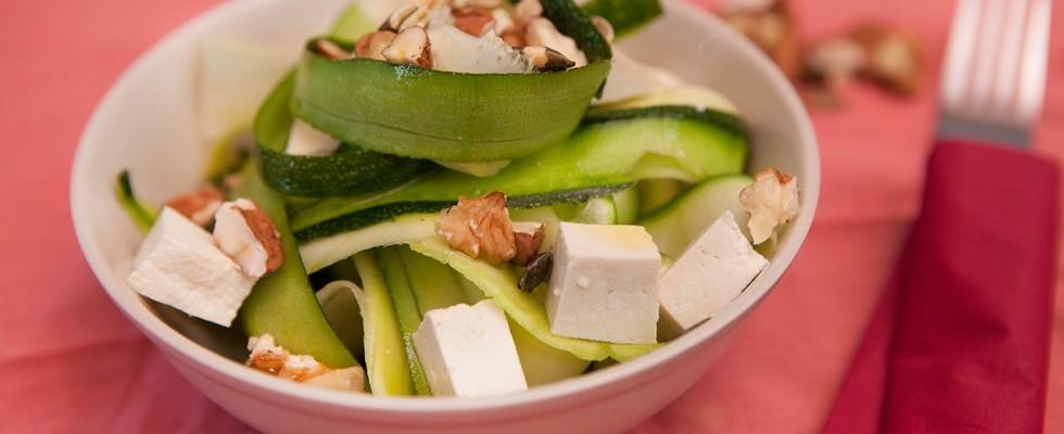 Insalata di zucchine, piatto vegano