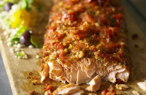 Salmone in crosta di pomodori secchi