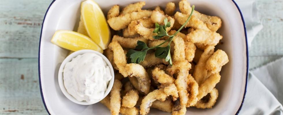 Straccetti di pesce: finger food croccante