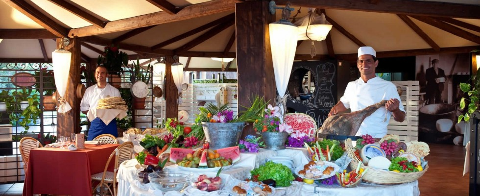 Le disavventure gastronomiche del villaggio turistico