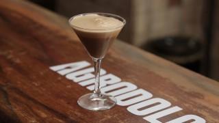 Caffè shakerato: il video cocktail