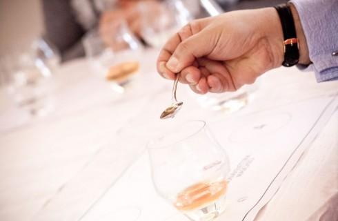 Imparare a degustare un distillato in 3 passi