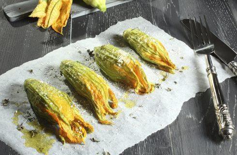 I fiori di zucca ripieni in 5 ricette facili e sfiziose