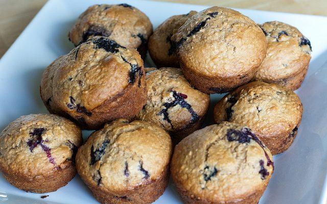 I muffin ai lamponi e yogurt perfetti per la colazione