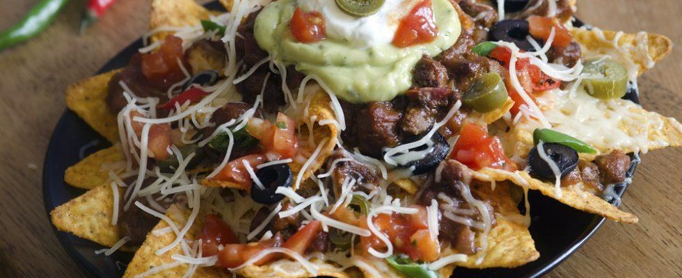 Come fare i nachos con carne e formaggio con la ricetta originale