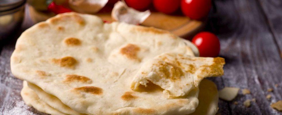 Come si fa il pane arabo senza lievito