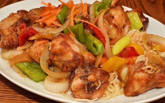 Il pollo con peperoni in agrodolce con la ricetta di Anna moroni