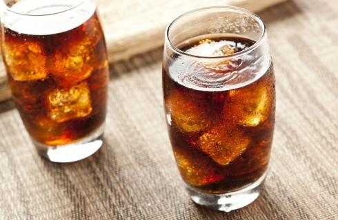 Miti da sfatare: le bevande gassate fanno male?