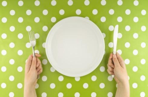 Saltare i pasti fa bene oppure no?