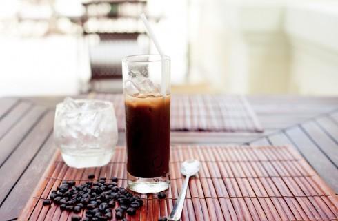 Preparare il caffè freddo in 4 mosse