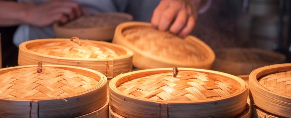 Vaporiera in bambù: come funziona e che piatti preparare