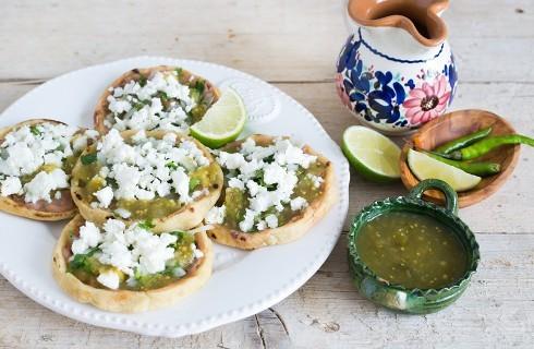 Sopitos: finger food messicano