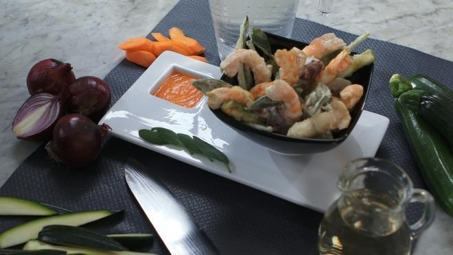 Tempura di scampi e verdure con salsa di carote: la ricetta di Andrea Mainardi