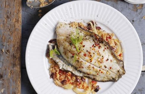 Sogliola mediterranea: cous cous, olive e pomodori