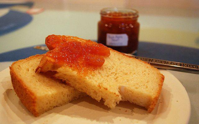 La marmellata di pesche senza zucchero da preparare con il Bimby