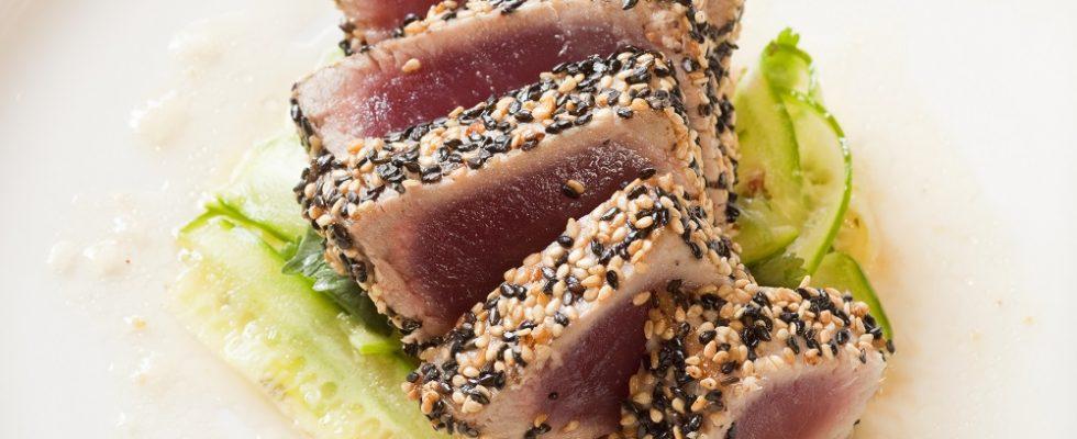 Il tonno al sesamo nero con la ricetta golose cene d'estate