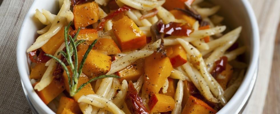 Pasta zucca e pomodori secchi, autunnale