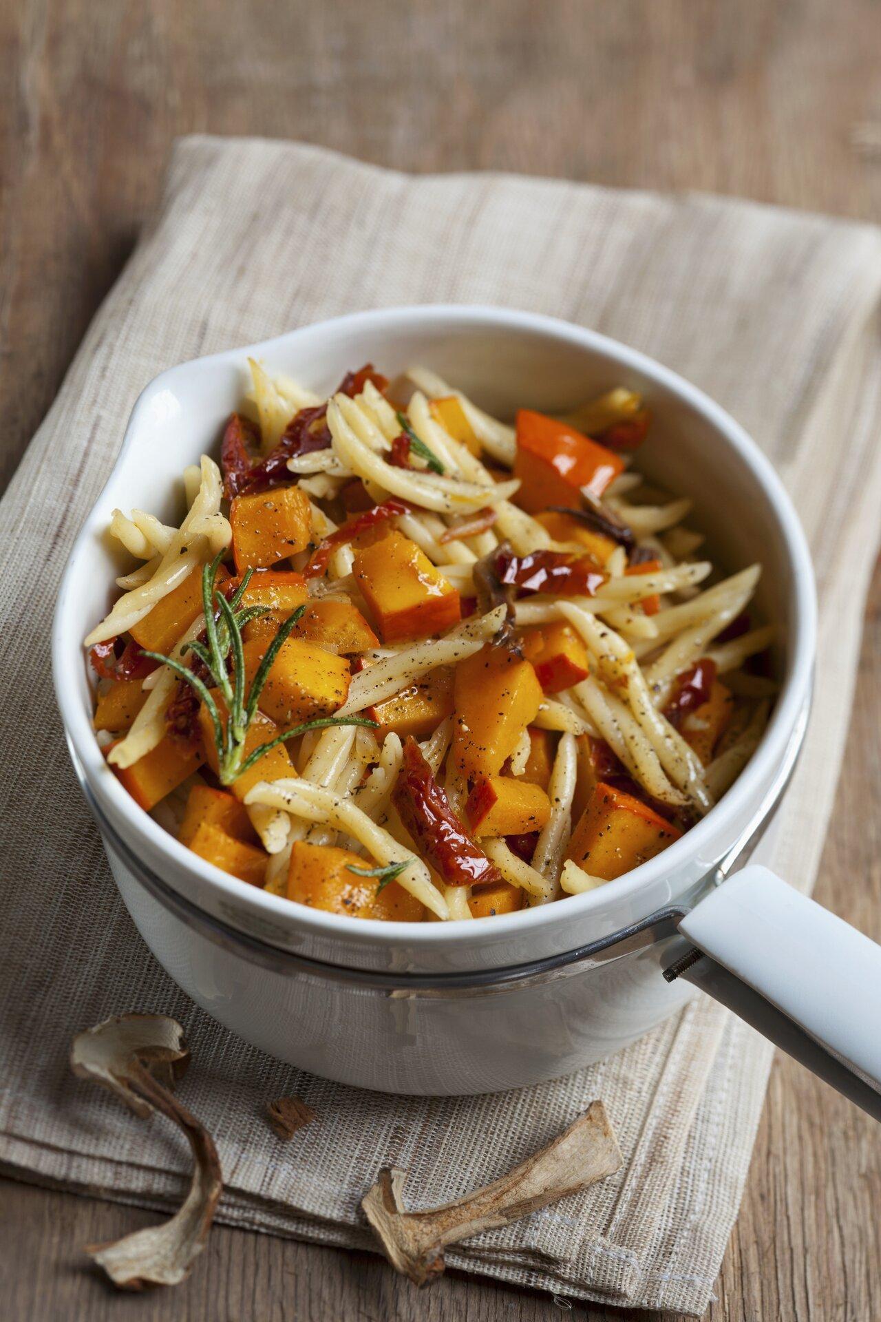 Ricetta pasta zucca e pomodori agrodolce for Primi piatti ricette bimby