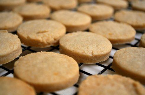 I biscotti al latte con la ricetta per il Bimby