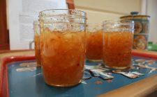 La marmellata di pere e zenzero fresco con la ricetta semplice
