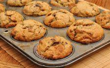 I muffin con pere e noci con la ricetta veloce