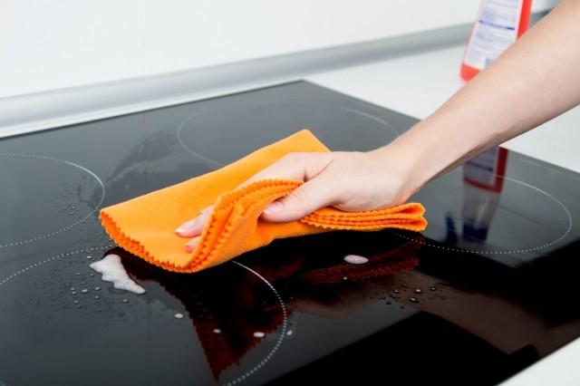 pulire piano a induzione