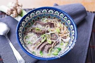 Seolleongtang: zuppa di bue coreana