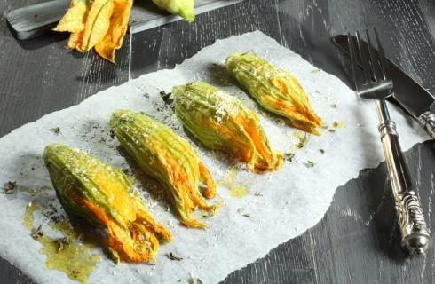 Fiori di zucca: perché li adoriamo e i modi migliori per cucinarli