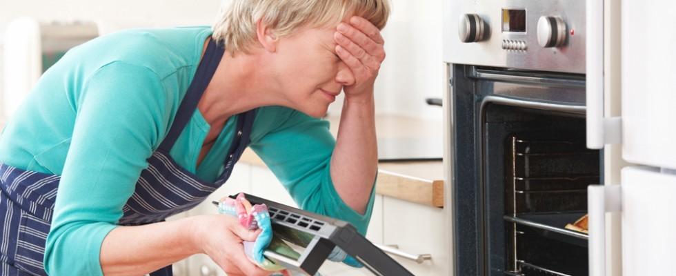 Disavventure in cucina: 10 cose fastidiose che succedono spesso