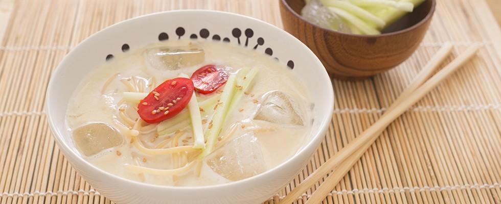 Kongguksu: zuppa coreana vegana
