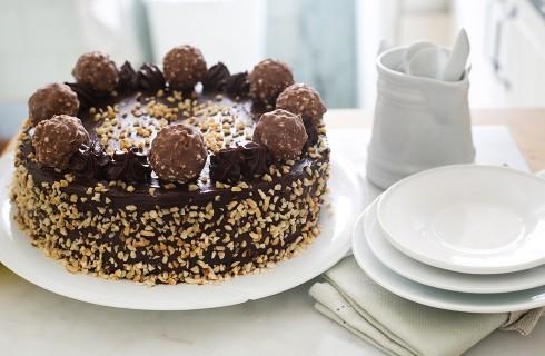 Torta Ferrero Rocher, ricetta invitante