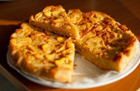 La torta di mele senza uova con la ricetta leggera