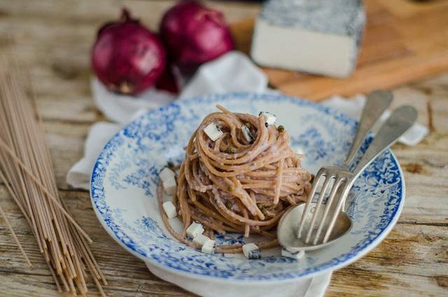 Spaghetti integrali in crema di cipolle-f-4