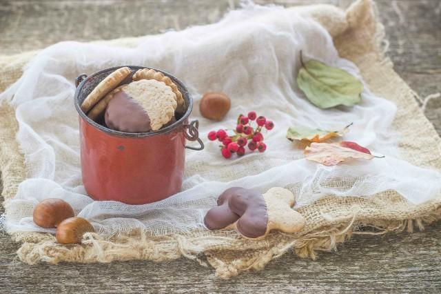 Still life biscotti con farina di castagne