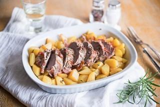 Arrosto con pancetta e patate