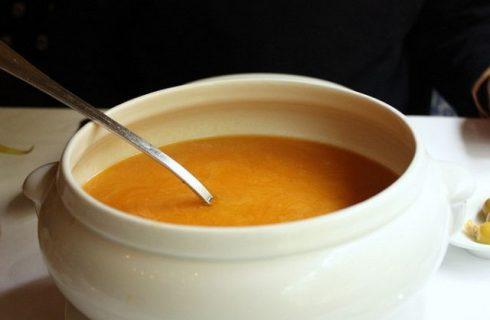 Come si prepara il brodo al curry con la ricetta semplice