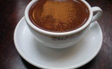 Come preparare la cioccolata calda aromatizzata cannella