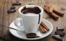Cioccolata calda: la ricetta facile e golosa di Michel Paquier