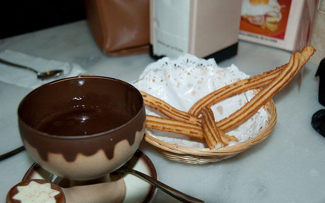La cioccolata calda senza latte con la ricetta leggera