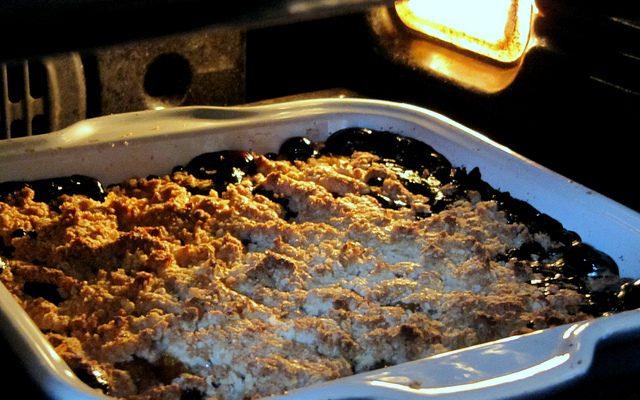 Come preparare il crumble di pere e cioccolato fondente