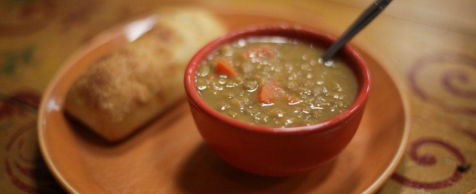La minestra di lenticchie per le fredde sere autunnali