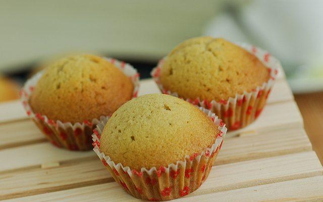 I muffin al cioccolato bianco e cocco ideali per la merenda