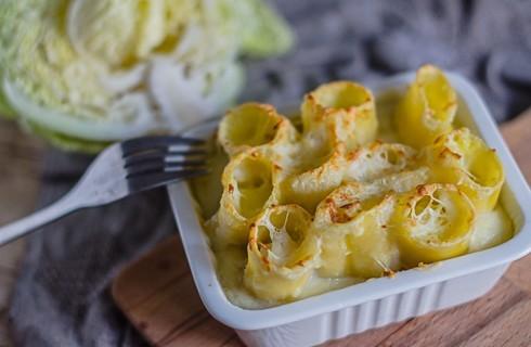 Paccheri con verza, patate e bitto