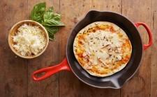 How to: preparare la pizza in padella