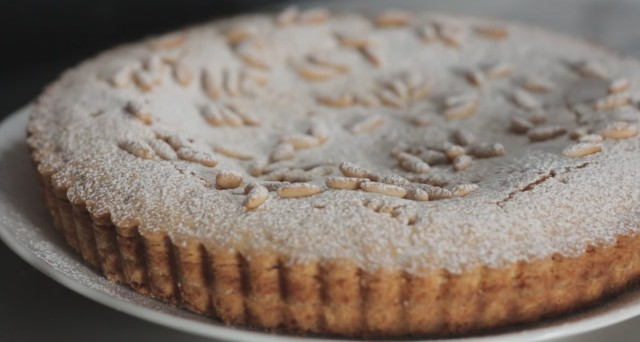 torta della nonna still