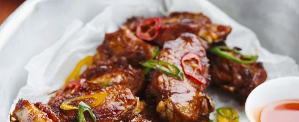 Ali di pollo glassate piccanti